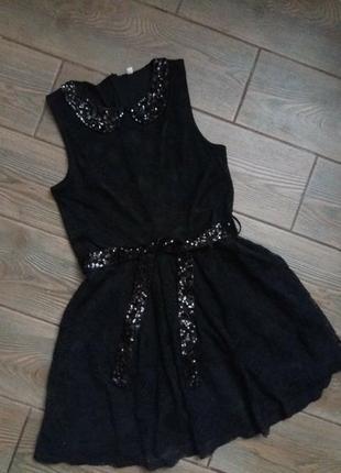 Шикарное платье в пайетках  m&s 152-158см в новом состоянии