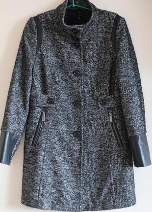 Стильное пальто с кожаными вставками шерсть taufyn