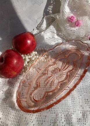 Селедочница (овальное блюдо) ссср, карамельное стекло, 32 х 13 см
