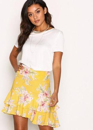 Летняя ассиметричная юбка с воланом