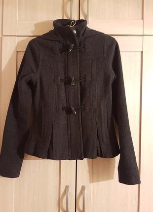 Теплая куртка с капюшоном adidas xs шерсть 70%