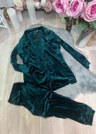 Стильний велюровий костюм красивого кольору 50-52 розміру!