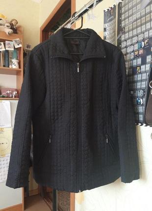 Стеганая куртка бомбер на веснц