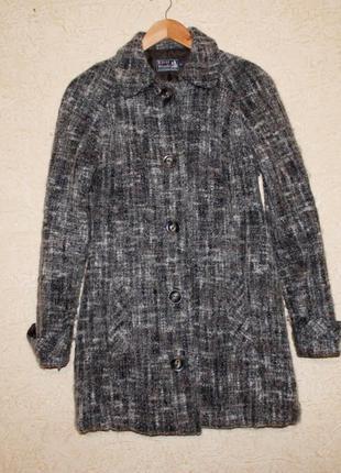 Осеннее пальто из буклированной шерсти