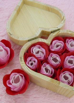 Шкатулка сердце с розами