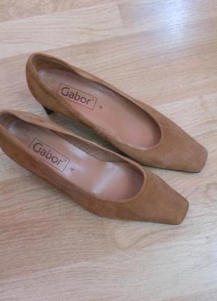 Туфли замшевые коричневые gabor