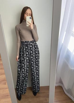 Чорно білі штани- кльош