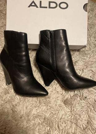 Кожаные ботинки aldo 36