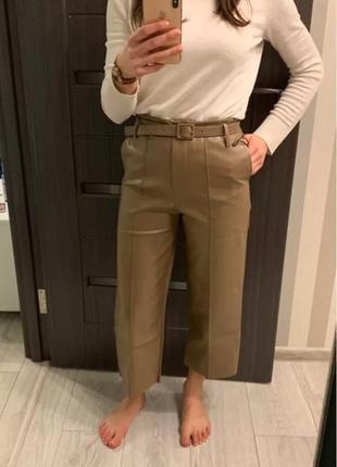 Кожаные брюки бежевого цвета4 фото