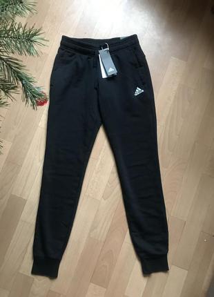 Спортивные штаны adidas