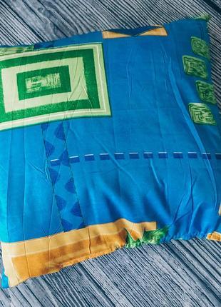 Подушка под декоративные наволочки или чехлы