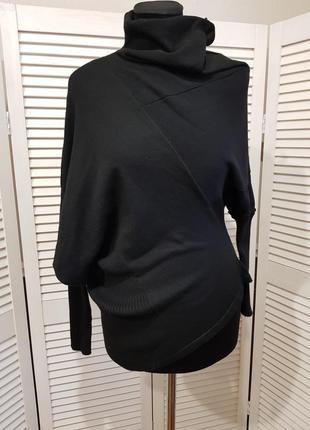 Черный оригинальный свитер гольф