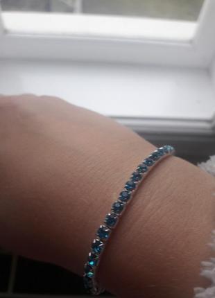 Трендовий браслет ніжного кольору