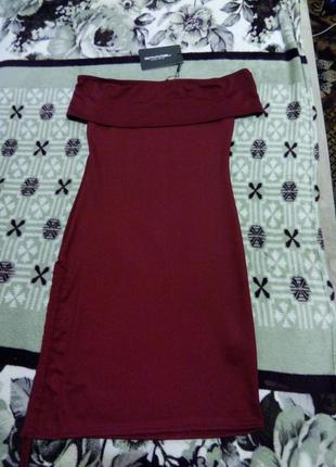 Коктельное платье цвет бургунди от prettylittlething р-р xxs