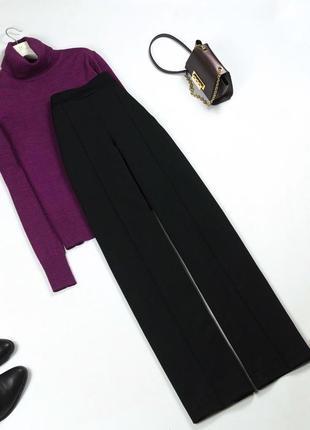 Трендовые черные брюки палаццо со стрелками с высокой посадкой s