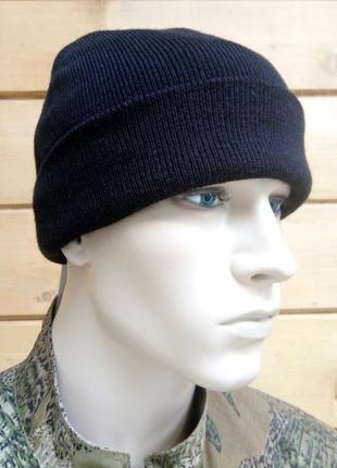 Шапка мужская зимняя утепленная с подкладкой и отворотом черная