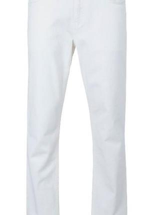 Белые джинсы slim straight