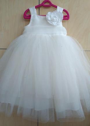 Шикарное платье john rocha на 3-4 года