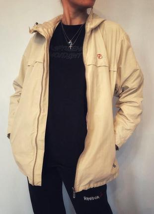 Куртка демисезонная дорогого шведского  бренда fjällräven,оригинал