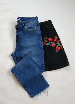 Укороченные джинсы мом высокая посадка