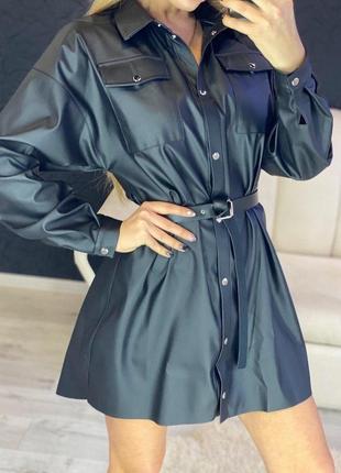 Кожаное платье-рубашка с поясом5 фото