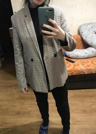Пиджак в гусиную лапку, клетку