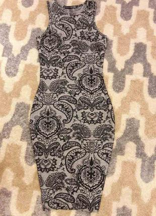 Платье миди с красивым принтом