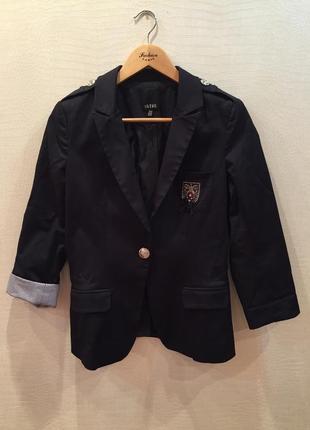 Пиджак/жакет с эмблемой на плечиках setre