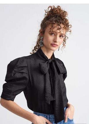 Чёрная нарядная блуза dilvin