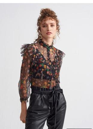 Очень красивая блуза dilvin