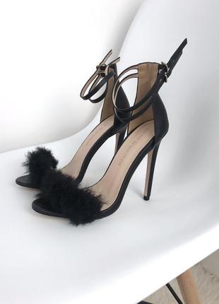 Шикарные новые босоножки туфли с пухом с мехом кожаные экокожа босоніжки