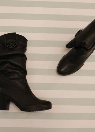Зимние кожаные сапоги, полусапожки 37 размера на устойчивом каблуке