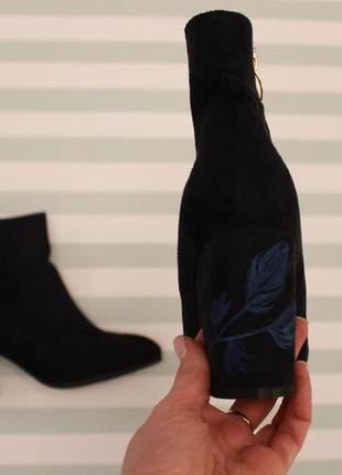 Демисезонные ботильоны, ботинки 37, 39, 40 размера на устойчивом каблуке с вышивкой