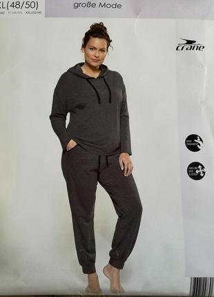 Легкие штанишки джогеры на 52-56