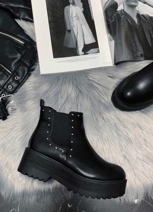 Ботинки чёрные