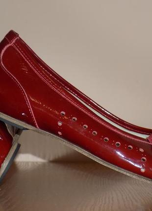 Кожаные стильные женские туфли от capriccio 36-37 р кожа везде