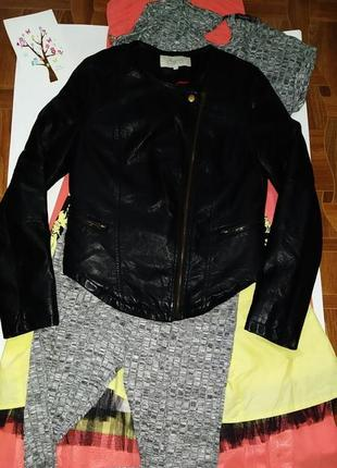Курточка,косуха,кожанка,утепленная р с peacocks