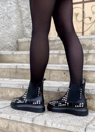 Женские шикарные ботинки alexander mcqueen chelsea / натуральная кожа / демисезонные челси