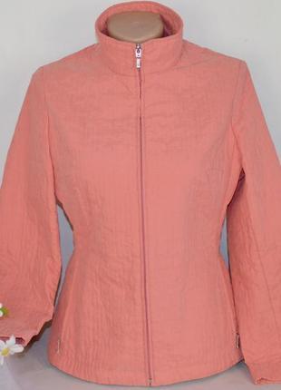 Брендовая коралловая легкая куртка на молнии с карманами marks & spencer этикетка