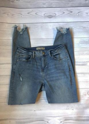 Голубые джинсы скинни с высокой талией посадкой и рваностями м