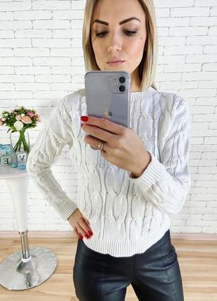 Вязаный свитерок с косами
