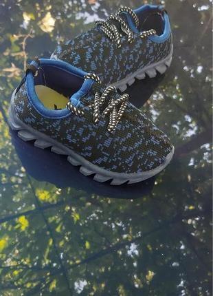 Легкие текстильные кросовочки