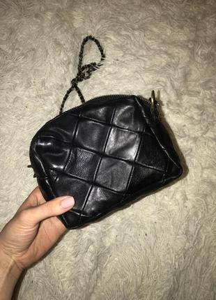 Маленькая кожаная сумочка в прекрасном состоянии