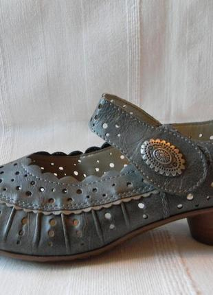 Туфли с перфорацией rieker р.38 стелька 25,2