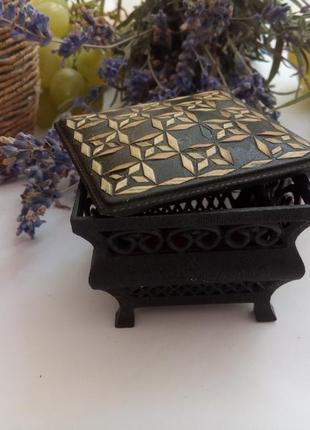 Шкатулка-ларец, миниатюрная, дарницкая ф-ка, 70-е, винтаж, инкрустирована соломкой