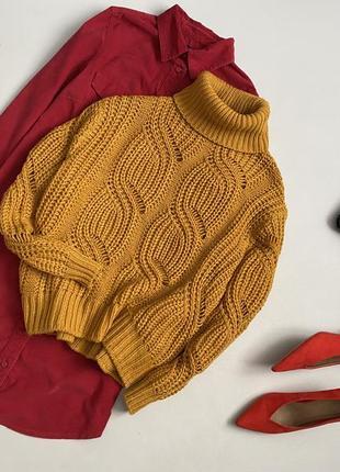 Невероятный объемный свитер с горлом  h&m