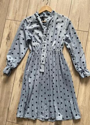 Лёгкое платье в горошек