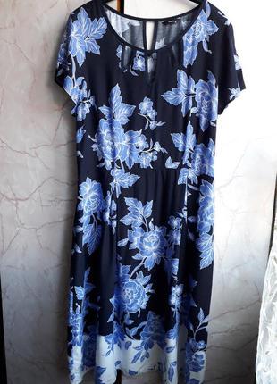 Очень красивое платье!размер 16