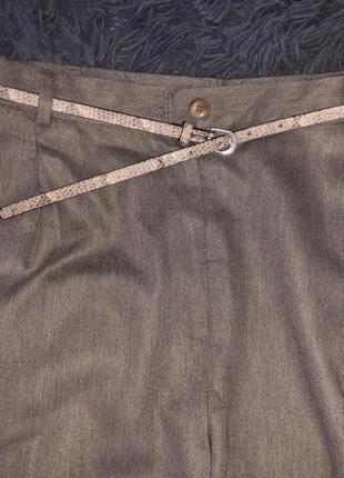Серые брюки классика