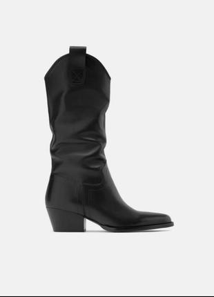 Кожаные сапоги на каблуке в ковбойском стиле zara